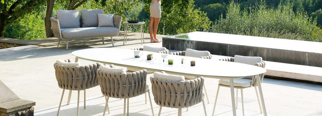 tosca-tosca-tafel-tosca-dining-table.jpg
