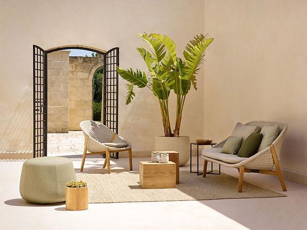 elio_easy_chair_sofa_1.jpg