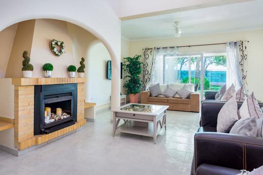 Villa-Bonita-Interior-3b.jpg