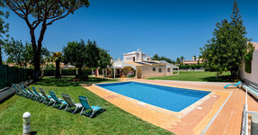Villa-Bonita-Exterior-t.jpg