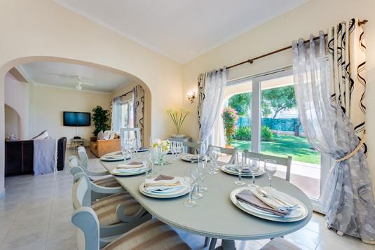 Villa-Bonita-Interior-4f.jpg