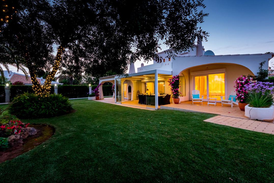 Villa-Bonita-Twilight-12.jpg