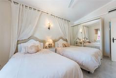 Villa-Bonita-Interior-4.jpg