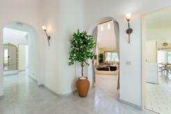 Villa-Bonita-Interior-1.jpg