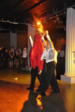 Taneczny pokaz mody