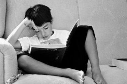 children-studying-670663_1920 (1).jpg