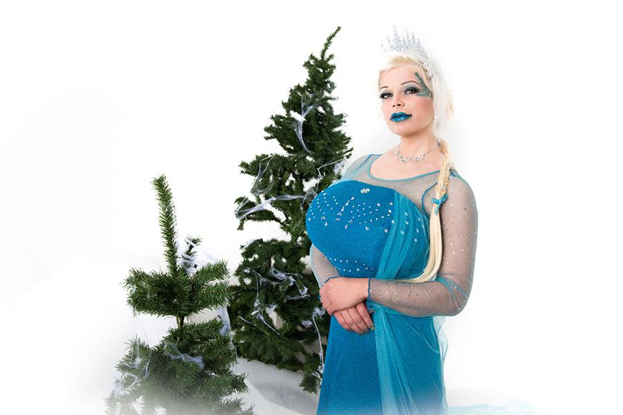 Martina Big as frozen elsa