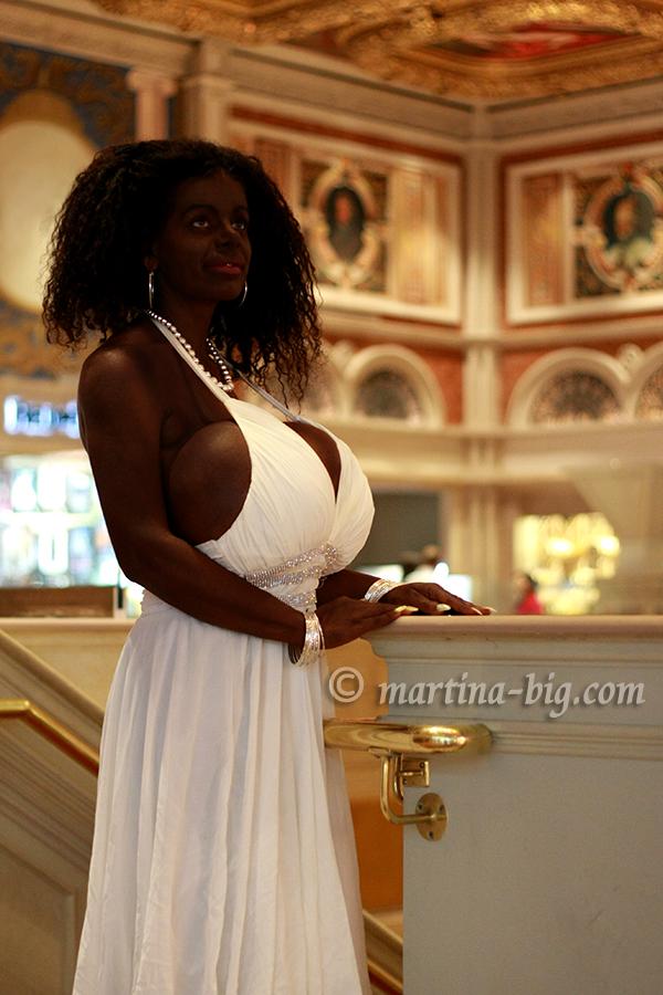 Martina Big - Glamour