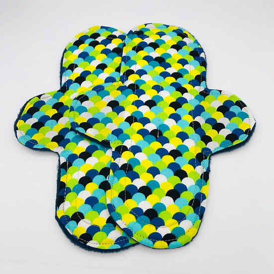 Green scales -stan- moderate washable reusable menstrual clothpad