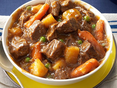 Everyone loves a hearty dinner, and this beef stew recipe totally hits the spot.