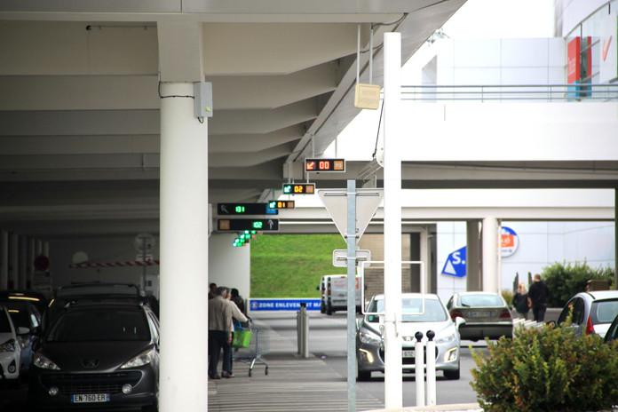 panneaux de guidage parking