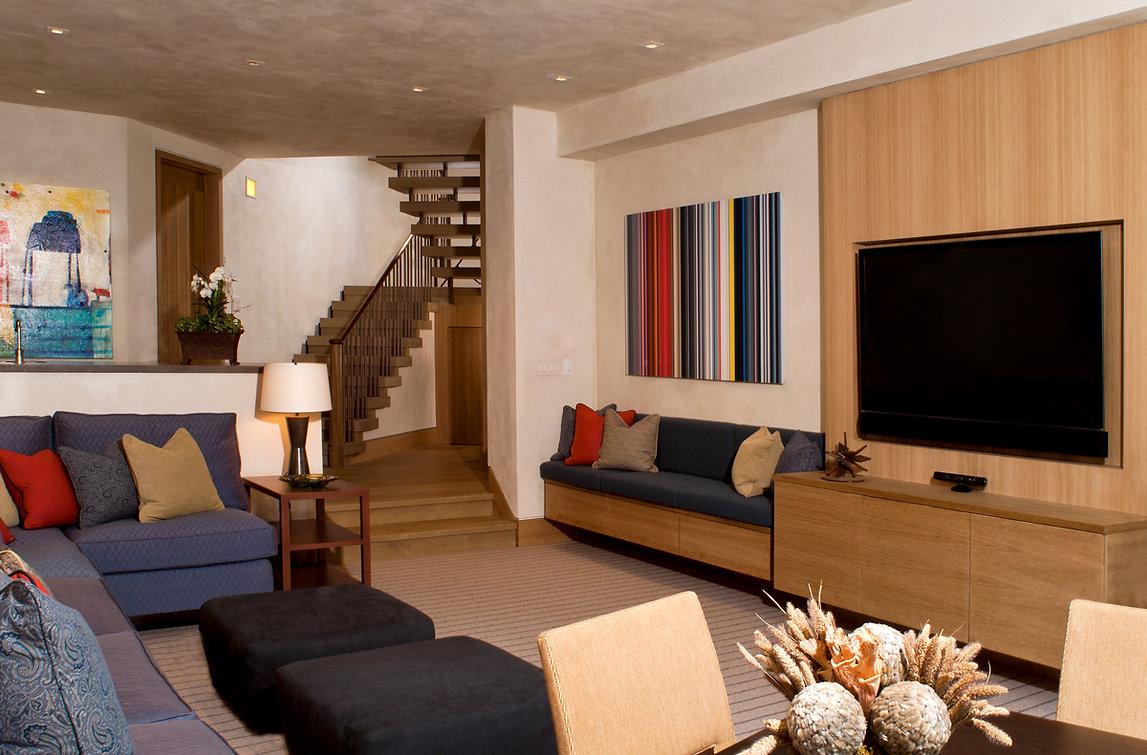 14 Family Room.jpg
