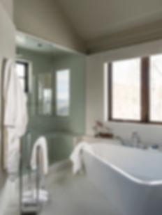 19 Master Bath Tub.jpg