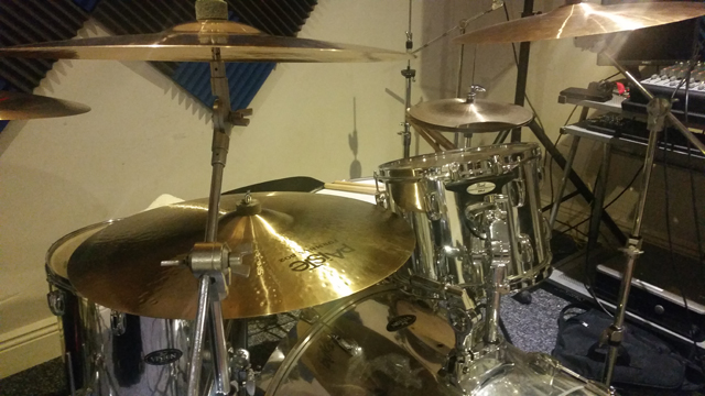 Pearl kit with paiste cymbals