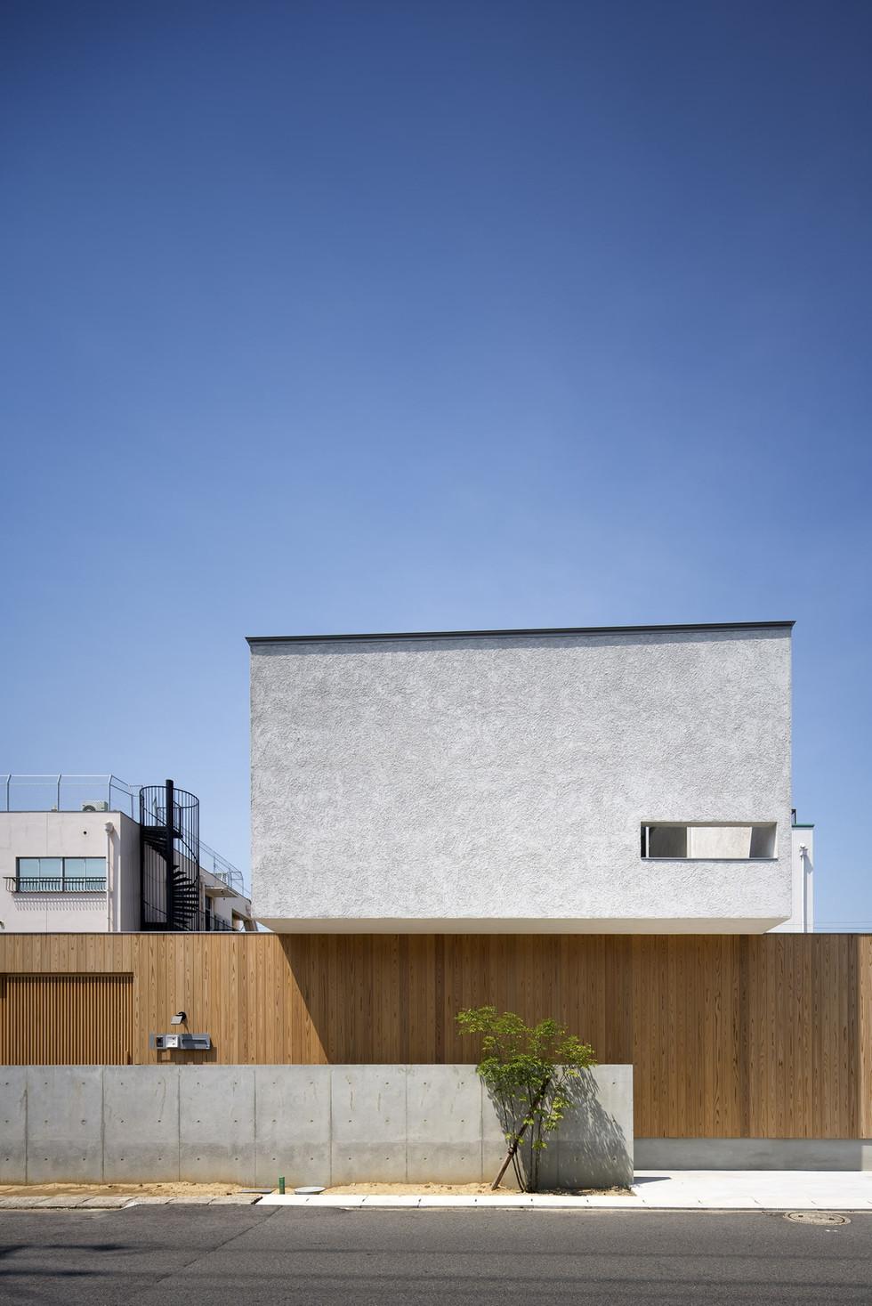 custom-built-house-2400_02.jpg