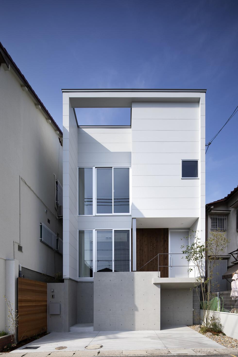 sakai-custom-built-home_2400_02.jpg
