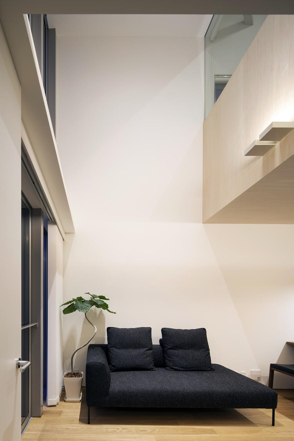 sakai-custom-built-home_2400_11.jpg