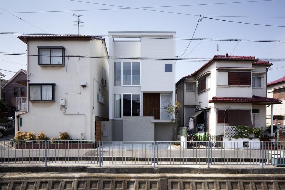 sakai-custom-built-home_2400_01.jpg