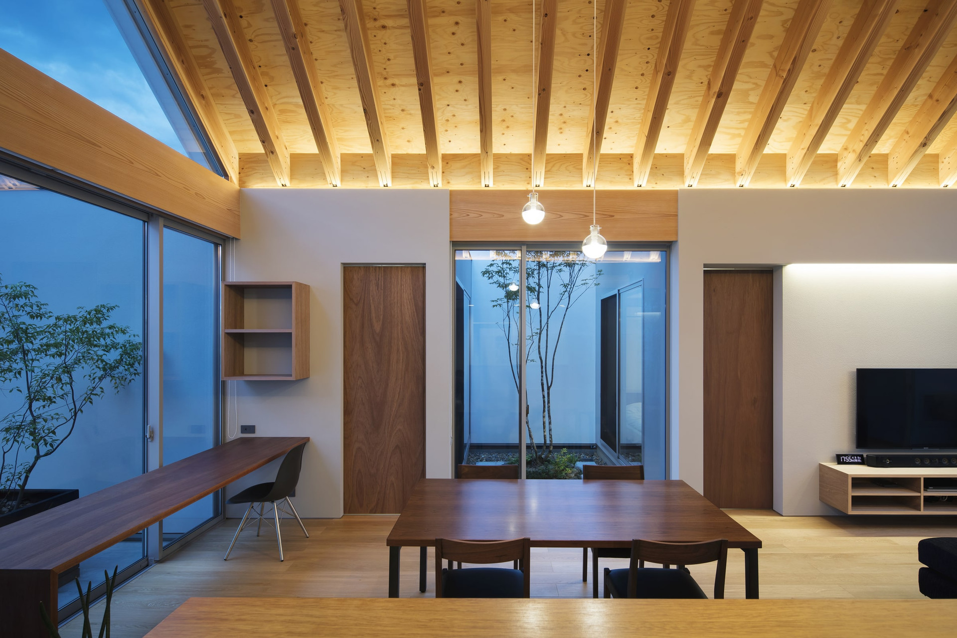 custom-built-home-architect-office_2400_