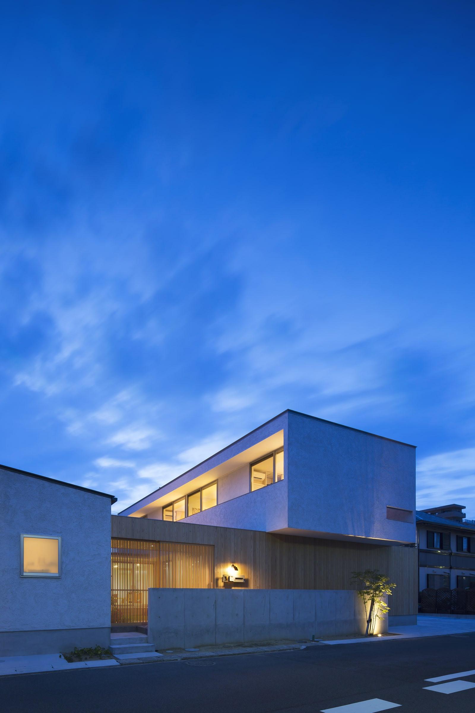 custom-built-house-2400_14.jpg