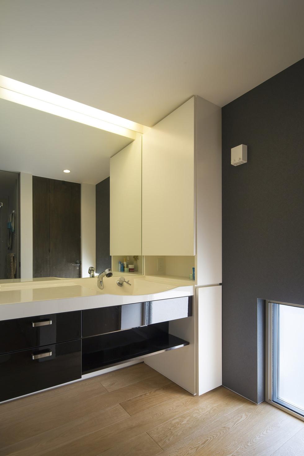 custom-built-house-2400_13.jpg