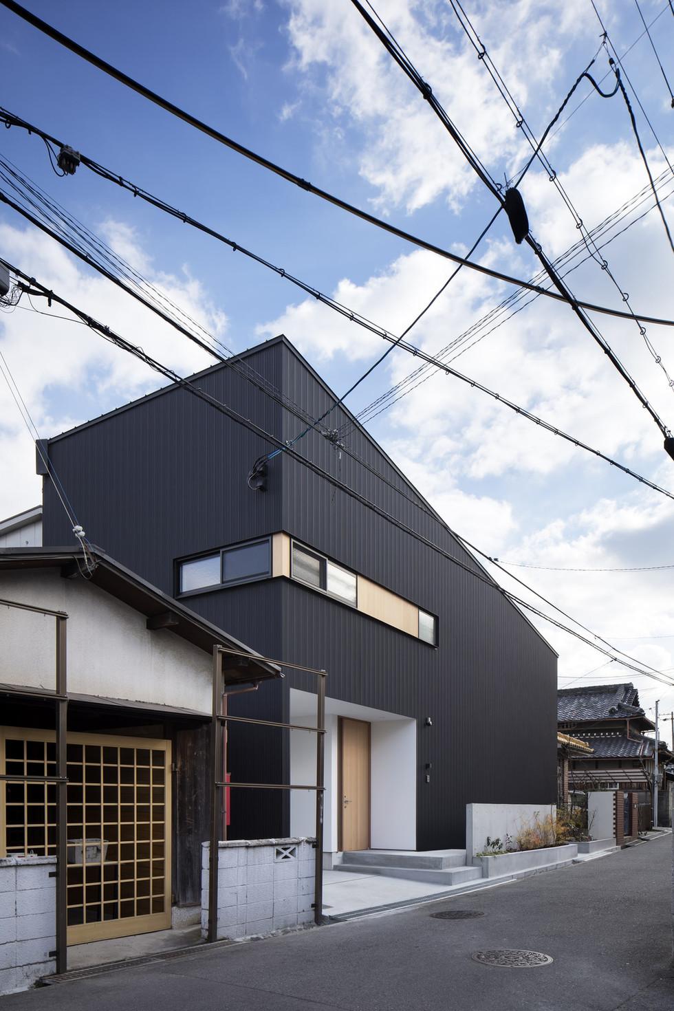 custom-built-home-sakai_2400_02.jpg