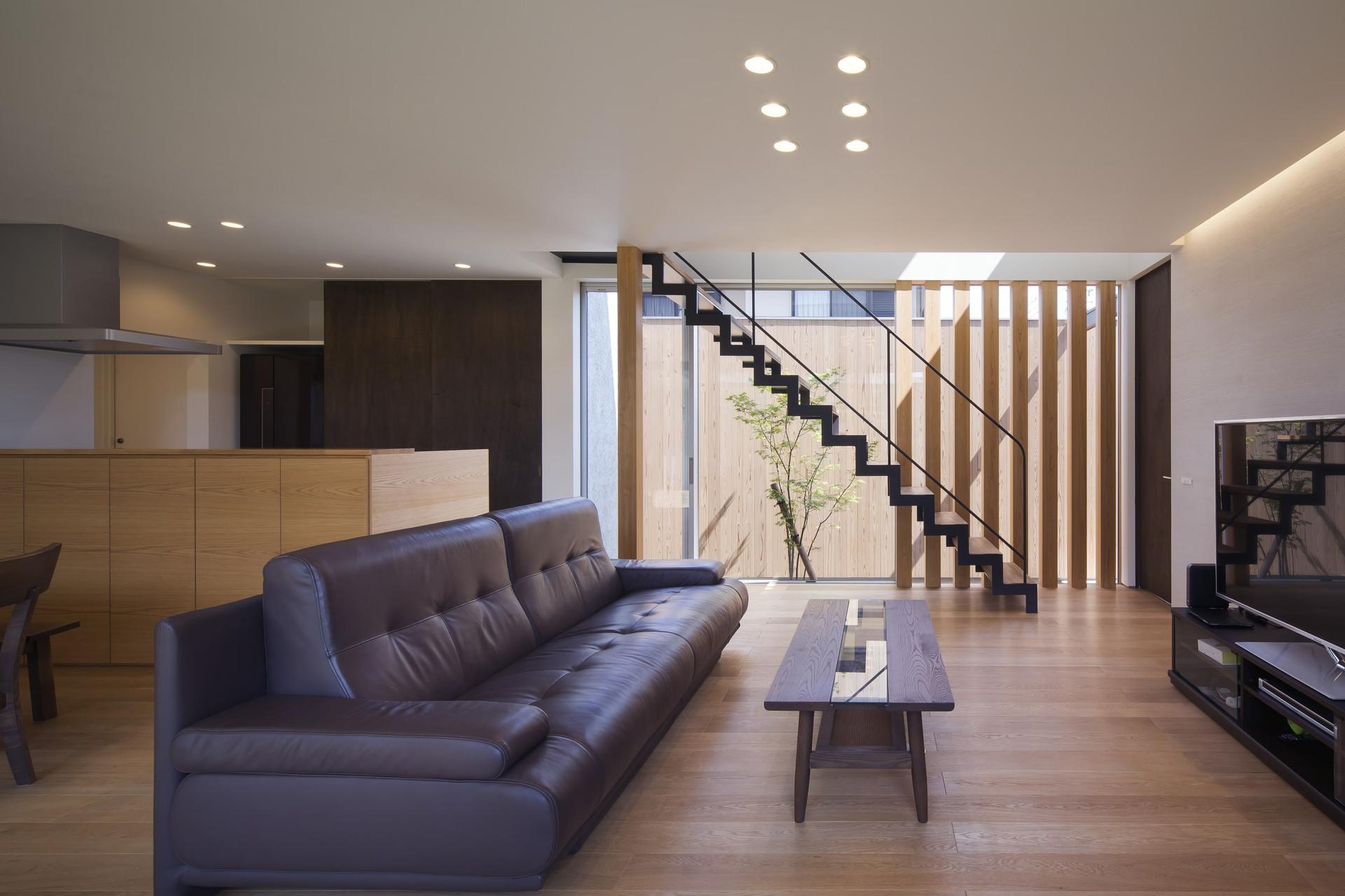 custom-built-house-2400_05.jpg