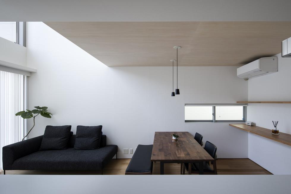 sakai-custom-built-home_2400_07.jpg