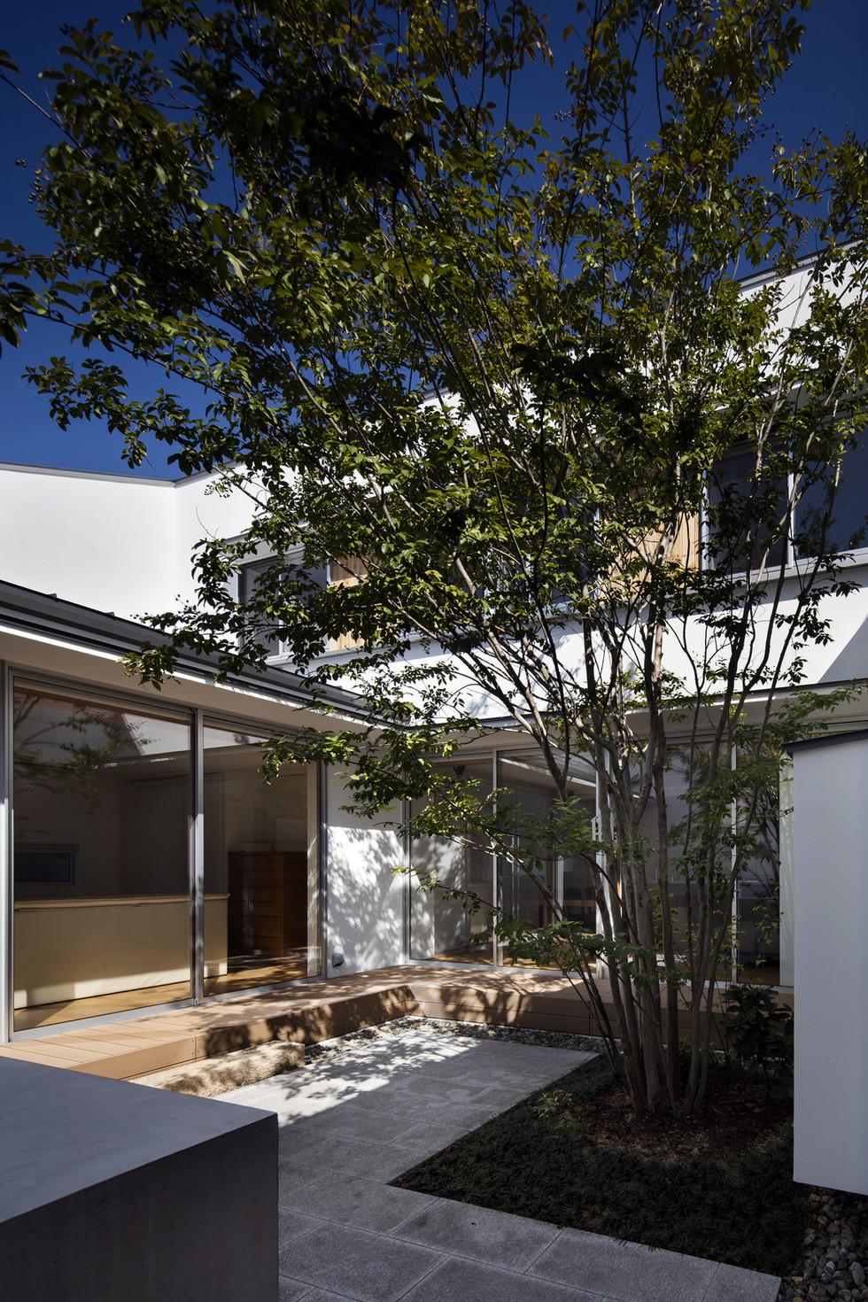 custom-built-house-sakai_2400_04.jpg