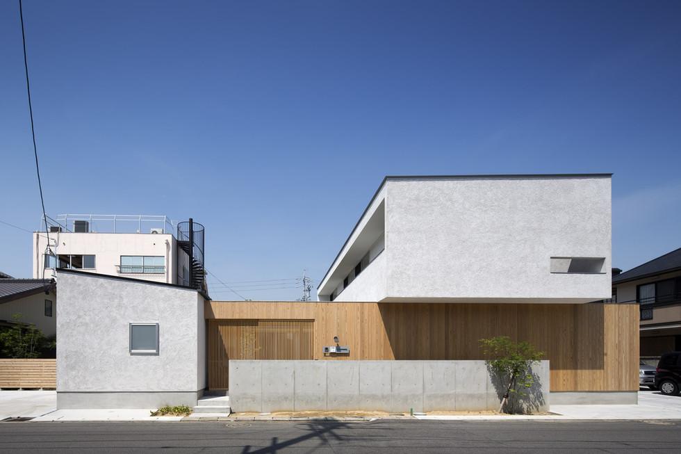 custom-built-house-2400_01.jpg