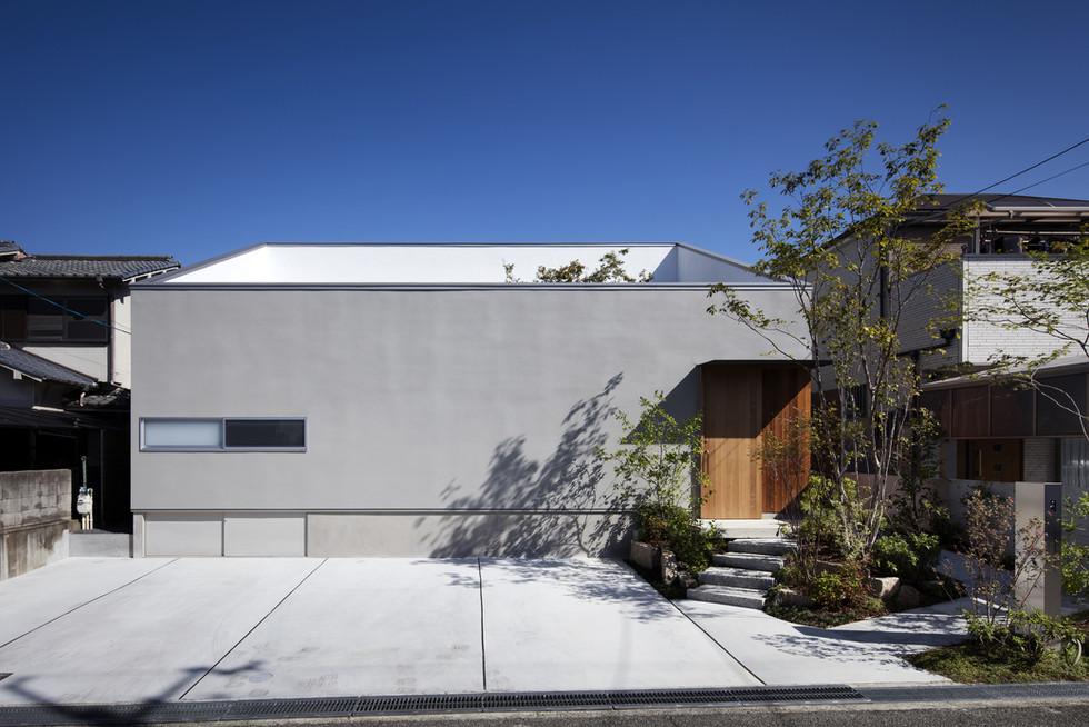 custom-built-house-sakai_2400_01.jpg