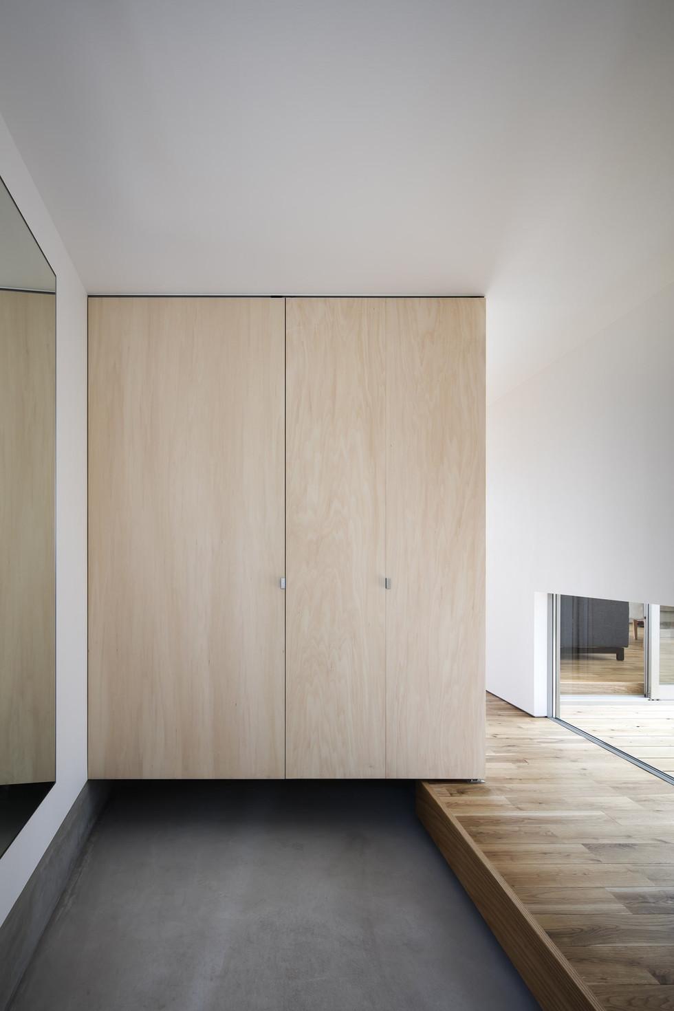 sakai-custom-built-house_2400_03.jpg