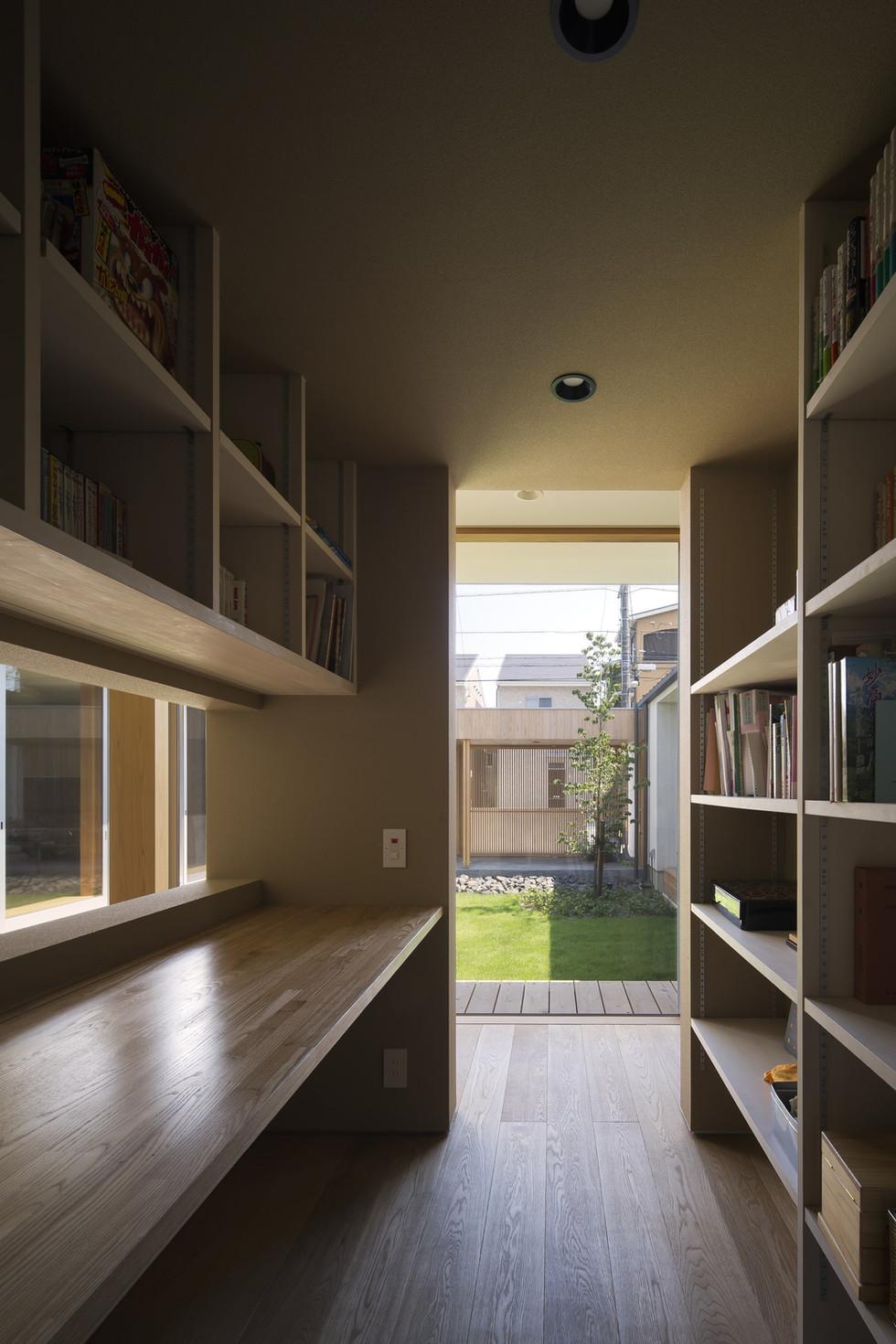 custom-built-house-2400_10.jpg