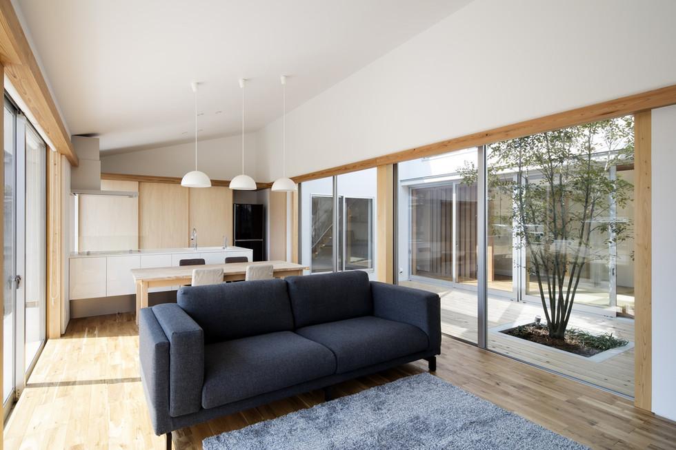 sakai-custom-built-house_2400_05.jpg