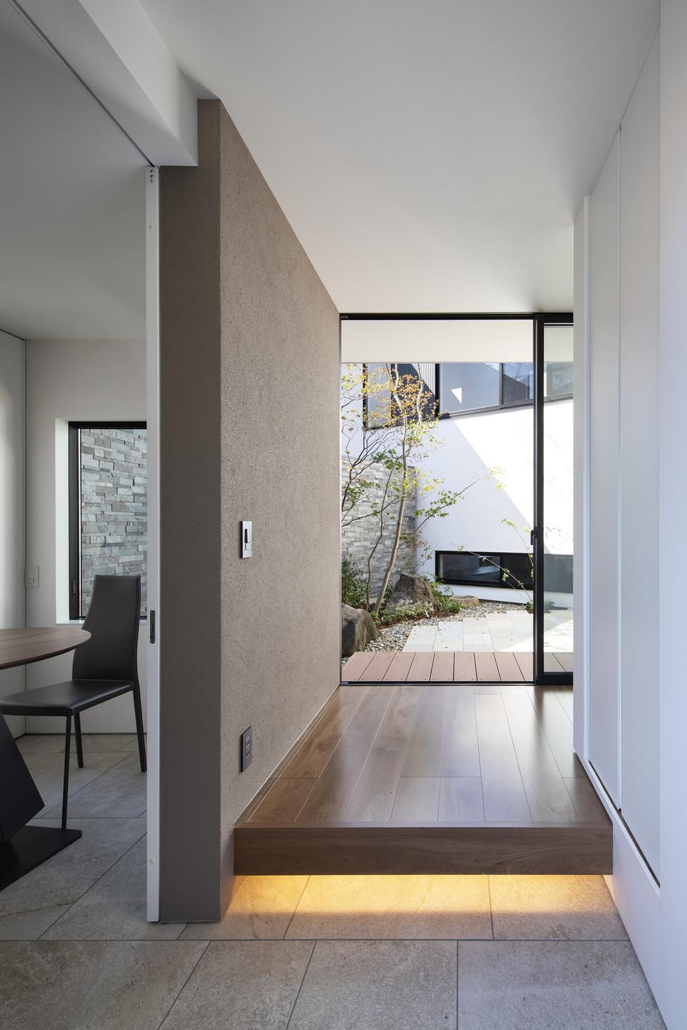 custom-built-home-suita_2400_13.jpg