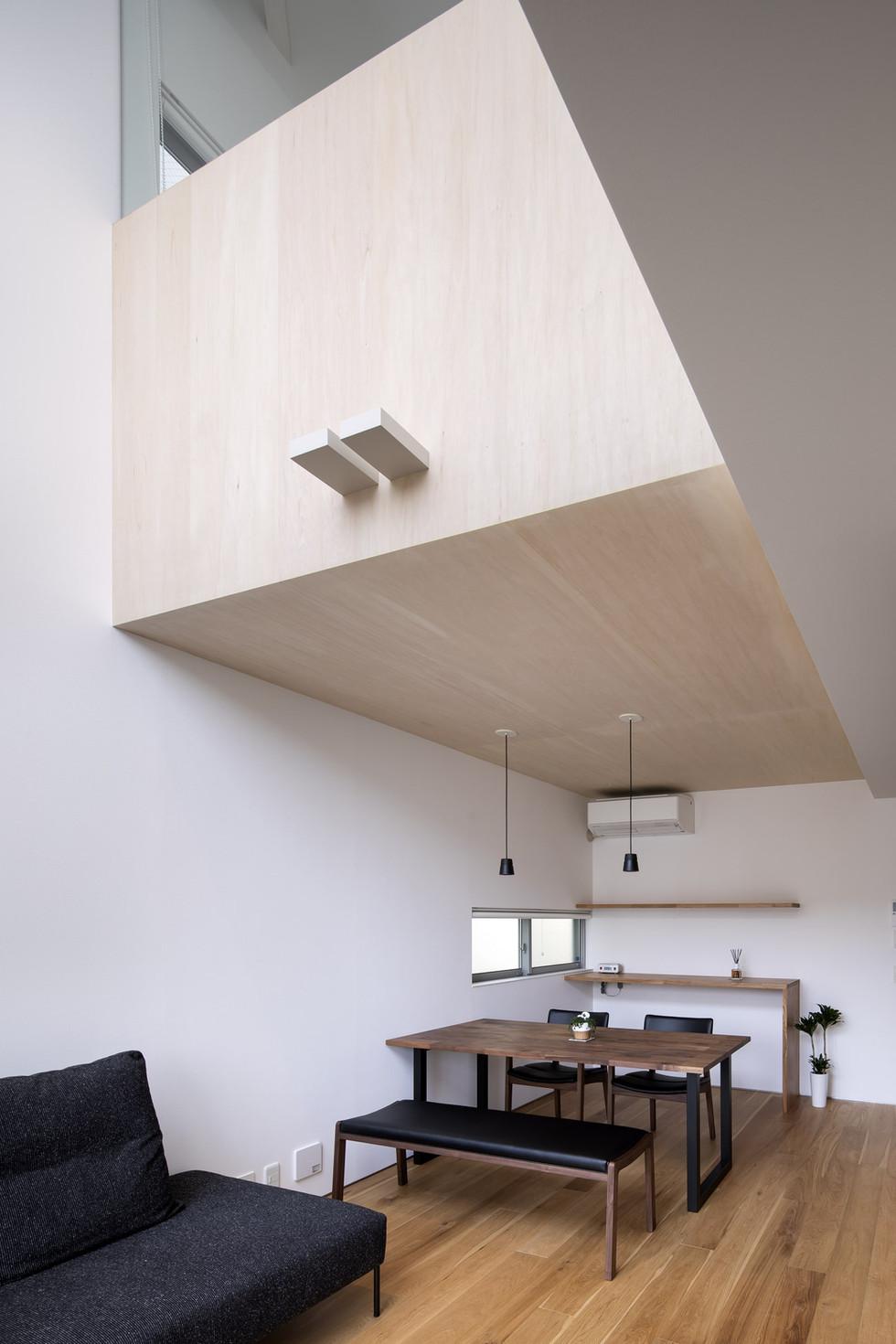 sakai-custom-built-home_2400_04.jpg
