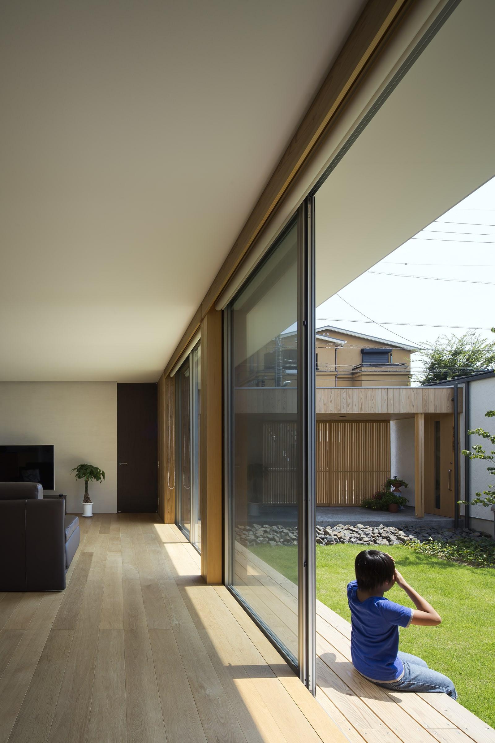 custom-built-house-2400_08.jpg