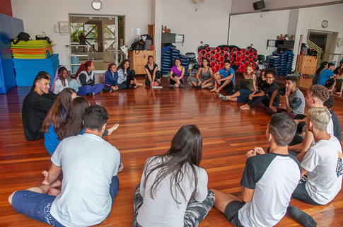 Oficina Corpo e memória: fundamentos da dança contemporânea - Tatiane Ramos
