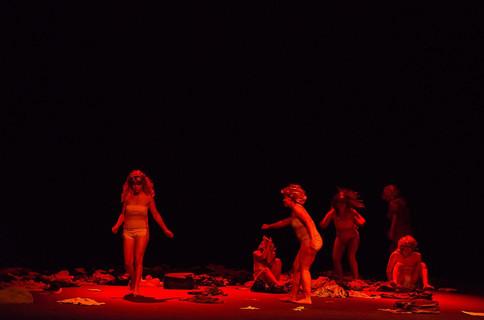 X-De outra forma que não com os Olhos, Teatro Singular