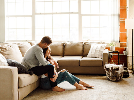 5 Steps to Creating Amazing In-Home Engagement Photos