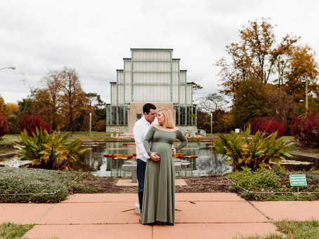 An Overcast Maternity Session at The Jewel Box in St. Louis, MO