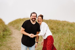 Gearheart Oregon Couples Photos in sand dunes