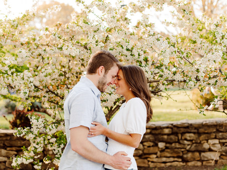 Spring Engagement Photos at Loose Park and World War 1 Monument in Kansas City