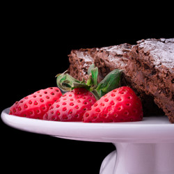 Chocolate Brownies with Strawberry - Abs