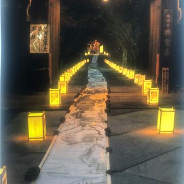 渡邉 敬介  東日本大震災後、100mの絵巻物を現地で描いた。 震災後9年、京都の織部寺にて毎年震災時に展示。復興に向けての大きな力を絵に込める。 今年はコロナの為に展示中止した。アートの力とメッセージを伝えたい。この事態収束を願って。