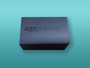Un producto exclusivo: Tarjetas de visita con efecto UVI letterpress!!