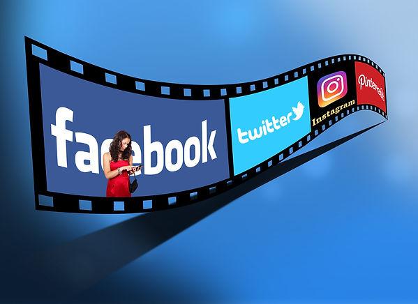 Selecting social media