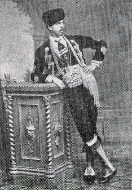 Carlos de Borbon disfrazado de torero