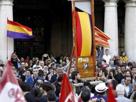"""El """"Borbón prófugo"""" y la impasibilidad real"""