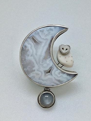 Owl Pendant w/Gray Moonstone.